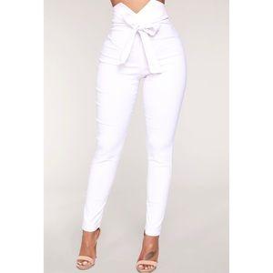 NWT Fashion Nova Front Tie Bow White Pants